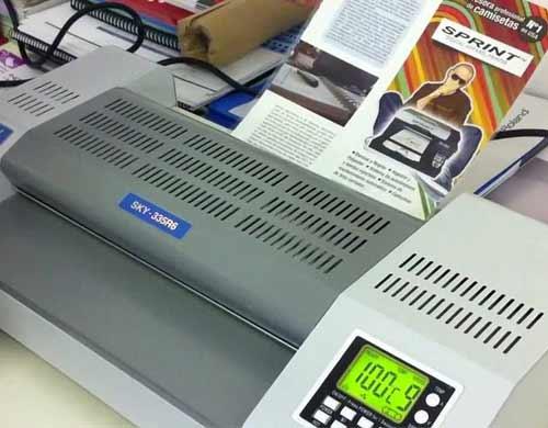plastifiez toutes sortes d'imprimés avec votre plastifieuse DSB SKY 335R6 A3