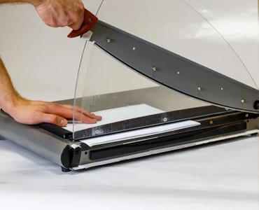Les cisailles sont faites pour couper le papier rapidement