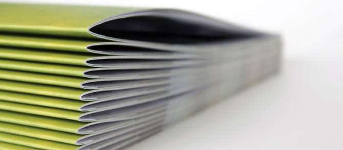 Comment faire pour relier des feuilles de papier ?